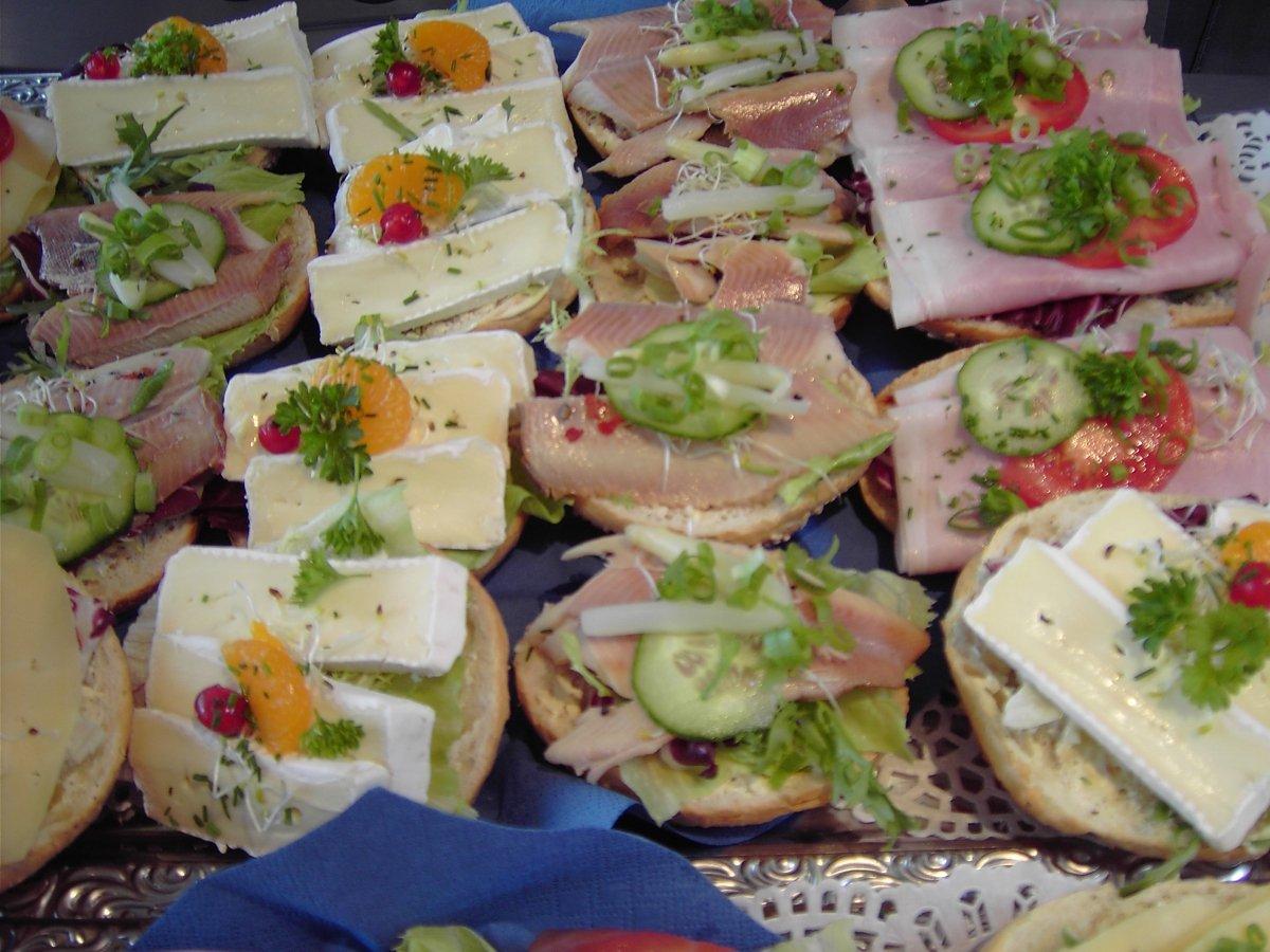 Super Luxe open belegde mini broodjes &YP42